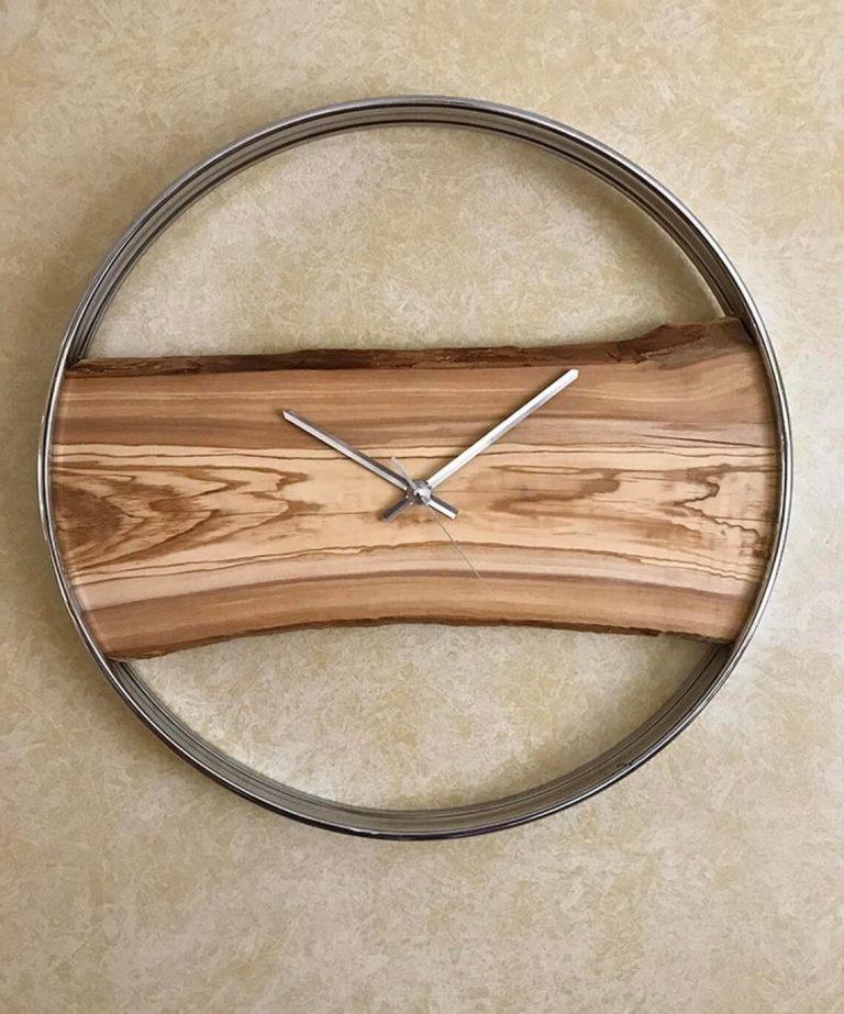Часы «Амос»