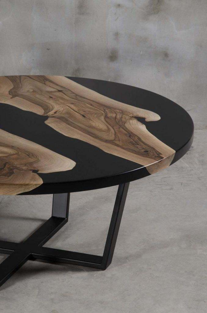 Дизайнерский журнальный столик из эпоксидки