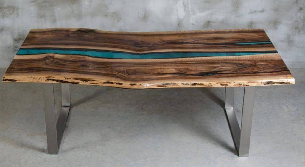 Эксклюзивный стол из эпоксидной смолы