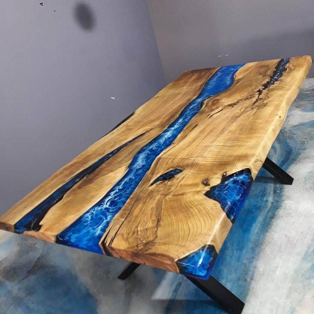 Дизайнерский стол из эпоксидной смолы