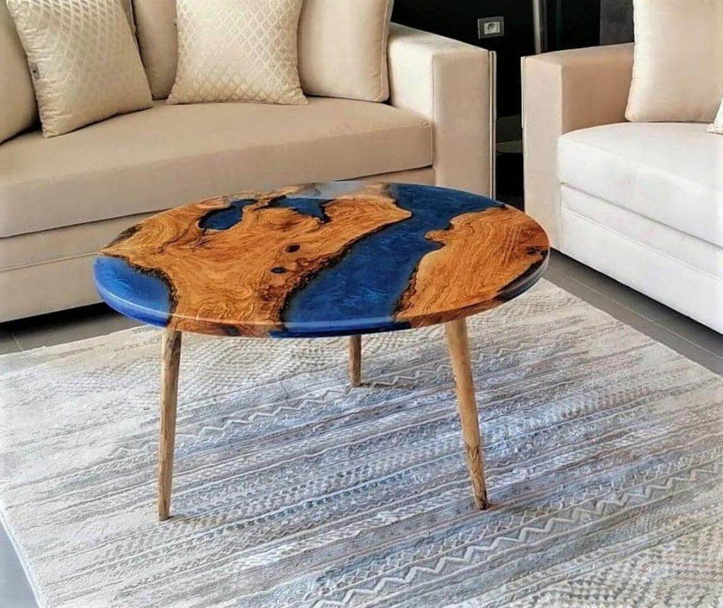 Круглый журнальный столик с синей заливкой