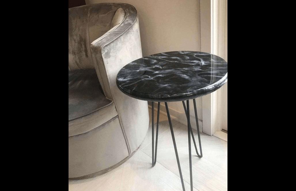 Круглый журнальный столик из мраморной смолы