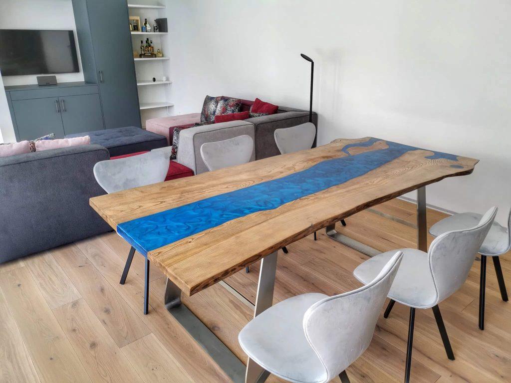 Обеденный стол из эпоксидки