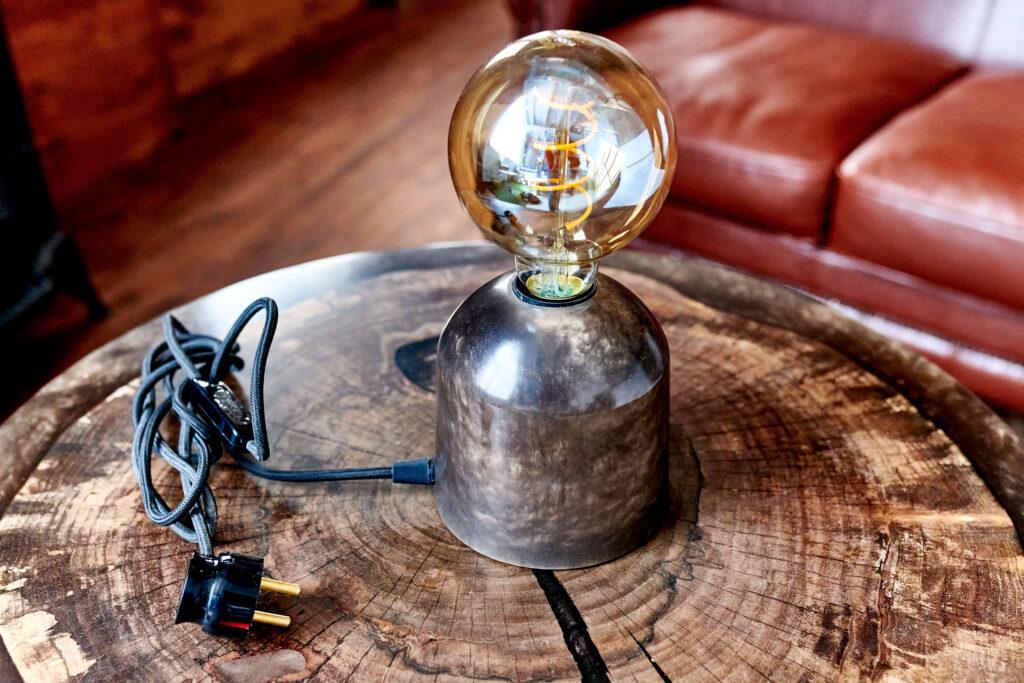 Светильник из эпоксидки от Ace Wood
