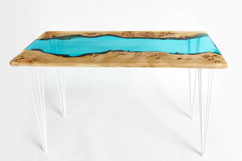 Экслюзивный стол-река из эпоксидки