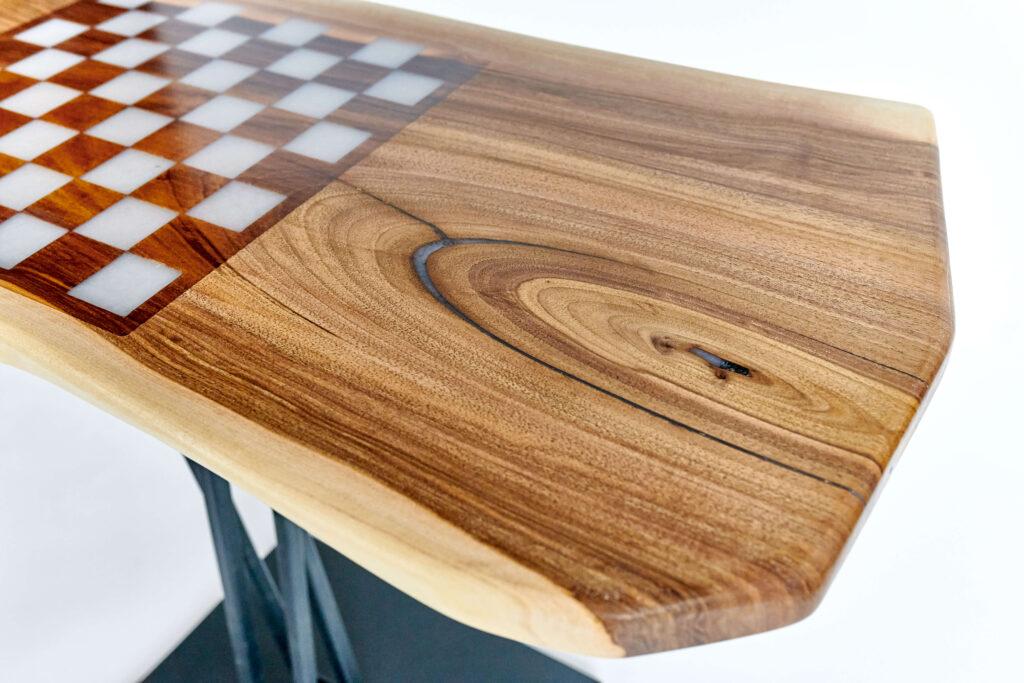 Дизайнерский журнальный стол из эпоксидки от Ace Wood