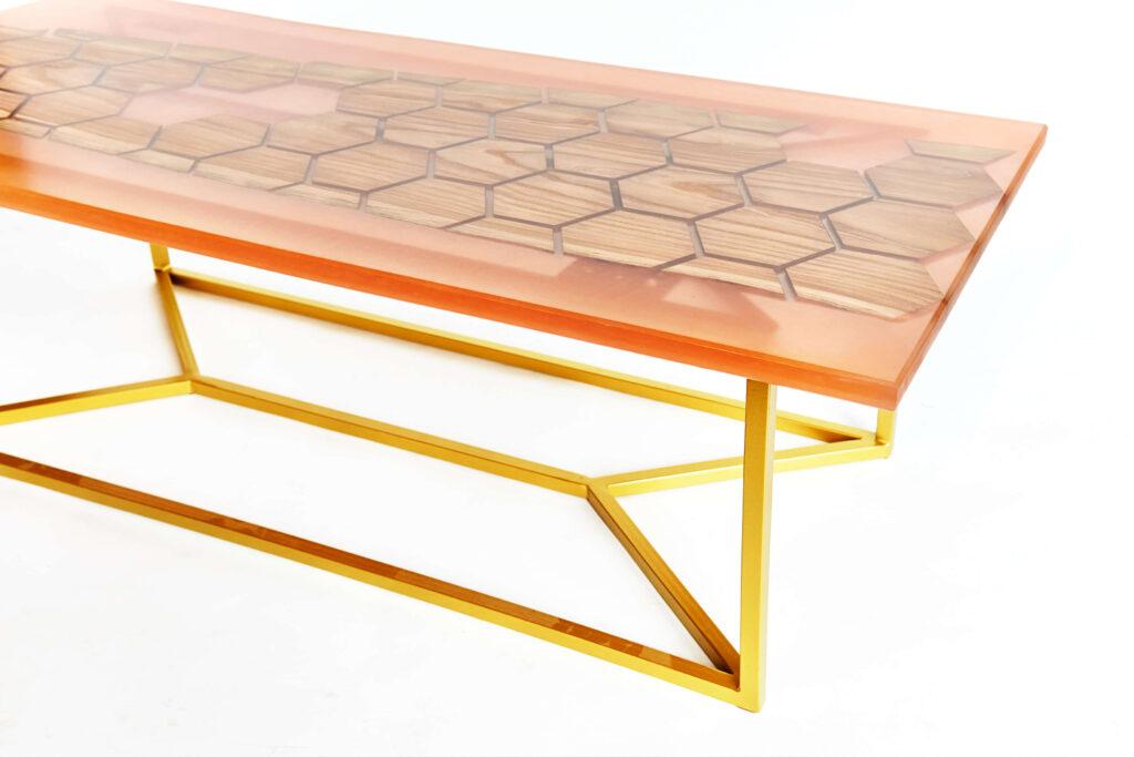 Дизайнерский журнальный стол с узором