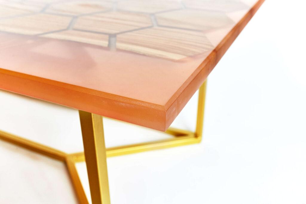 Дизайнерский журнальный столик с узором