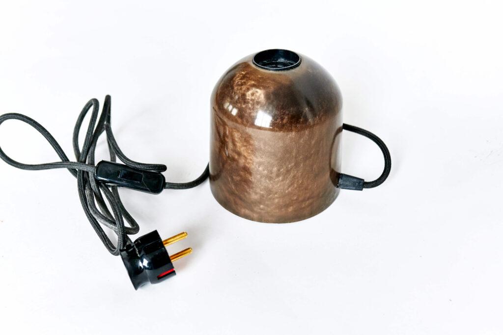 Дизайнерский светильник из эпоксидки от Ace Wood